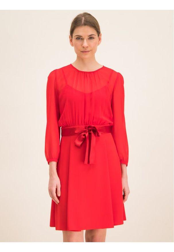 iBlues Sukienka codzienna 72263096 Czarny Regular Fit. Okazja: na co dzień. Kolor: czarny. Typ sukienki: proste. Styl: casual