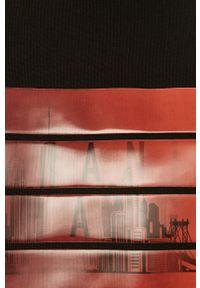 Czarna bluza nierozpinana Armani Exchange z nadrukiem, na co dzień