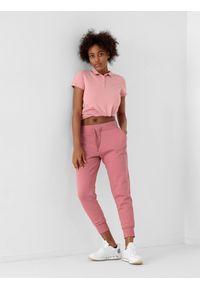 4f - Spodnie dresowe joggery ocieplane damskie. Kolor: różowy. Materiał: dresówka