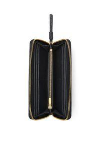 Tory Burch - TORY BURCH - Czarny portfel Perry Zip Continental. Kolor: czarny