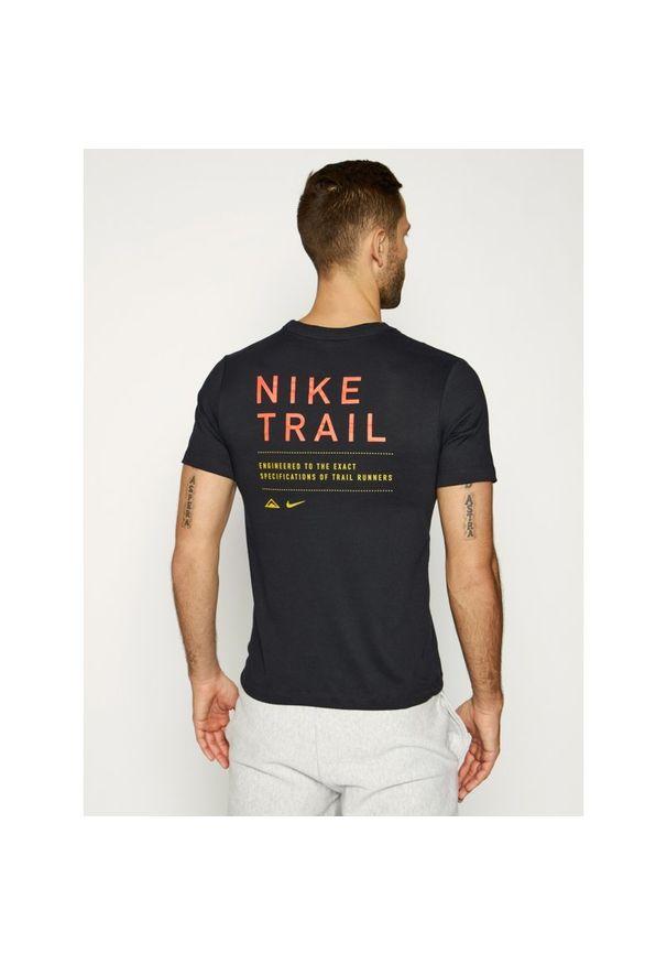 Czarna koszulka sportowa Nike Dri-Fit (Nike)