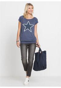 Shirt z gwiazdą bonprix indygo. Kolor: niebieski. Wzór: aplikacja