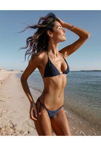 SUSAN SWIMWEAR - Góra od bikini Linda Navy. Kolor: niebieski. Materiał: tkanina. Wzór: aplikacja