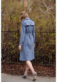 Marie Zélie - Trencz Adria bawełna z elastanem szarobłękitny. Kolor: niebieski. Materiał: bawełna, elastan. Sezon: lato. Styl: klasyczny #6