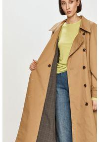 Beżowy płaszcz Pepe Jeans gładki, klasyczny