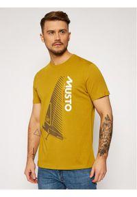 Musto T-Shirt Ocean Born 82060 Żółty Regular Fit. Kolor: żółty