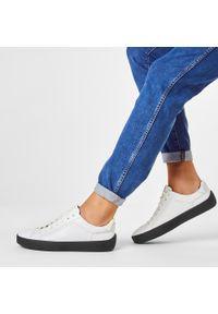 Białe sneakersy JOOP! z cholewką, na co dzień