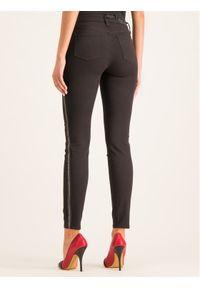 Czarne jeansy slim Armani Exchange