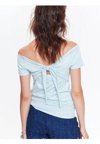 Niebieski t-shirt TOP SECRET krótki, na co dzień