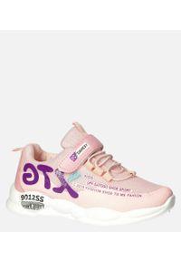 Casu - różowe buty sportowe na rzep casu 204/9m. Zapięcie: rzepy. Kolor: różowy