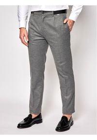 Calvin Klein Spodnie materiałowe Pleat K10K105705 Szary Tapered Fit. Kolor: szary. Materiał: materiał