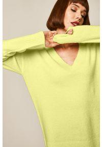 medicine - Medicine - Sweter Basic. Kolor: żółty. Materiał: dzianina. Wzór: gładki