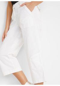 Dżinsy bojówki 3/4 ze stretchem i wygodnym paskiem bonprix biały twill. Kolor: biały