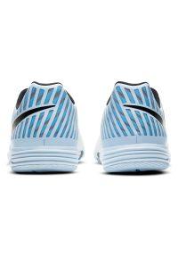 Buty męskie halowe Nike Lunar Gato 580456. Zapięcie: sznurówki. Materiał: skóra, guma. Szerokość cholewki: normalna. Wzór: gładki