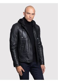 Czarna kurtka skórzana