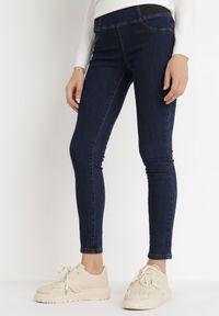 Born2be - Granatowe Jeansy Push-Up Zephon. Stan: podwyższony. Kolor: niebieski. Materiał: jeans. Długość: długie