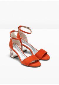 Pomarańczowe sandały bonprix