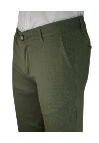 Spodnie Casualowe Zielone Męskie, Zwężane, Bawełniane, Chinosy, Wzór Geometryczny -Ravanelli. Okazja: na co dzień. Kolor: zielony. Materiał: poliester, elastan, bawełna. Wzór: geometria. Styl: casual