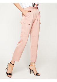 Różowe spodnie materiałowe Calvin Klein