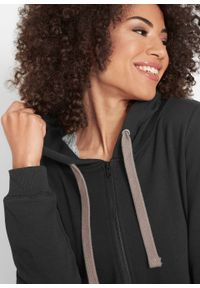 Długa bluza rozpinana bonprix czarny. Kolor: czarny. Długość: długie. Wzór: nadruk