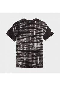 outhorn - T-shirt tie-dye męski. Okazja: na co dzień. Materiał: bawełna, jersey. Wzór: aplikacja. Styl: sportowy, casual