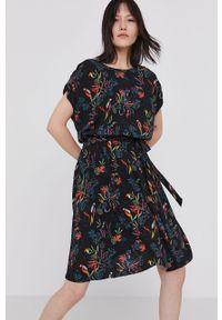 Czarna sukienka medicine z krótkim rękawem, rozkloszowana