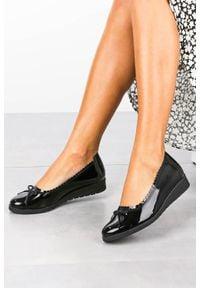 Maciejka - czarne baleriny maciejka skórzane lakierowane z kokardką 03469-50/00-5. Kolor: czarny. Materiał: skóra, lakier