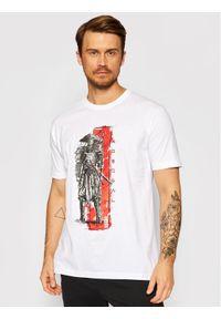Togoshi T-Shirt Samuraj Biały Regular Fit. Kolor: biały