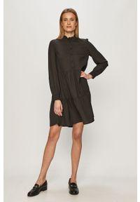 Czarna sukienka Pieces ze stójką, prosta #5