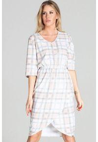 Figl - Asymetryczna sukienka midi z gumą w pasie pastelowa w kratkę. Okazja: do pracy, na co dzień. Materiał: guma. Wzór: kratka. Typ sukienki: asymetryczne. Styl: casual. Długość: midi