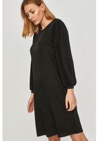 Czarna sukienka Answear Lab prosta, wakacyjna