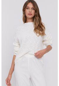 Samsoe & Samsoe - Samsoe Samsoe - Sweter. Kolor: biały. Długość rękawa: długi rękaw. Długość: długie