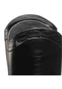Czarne kozaki Carinii z cholewką przed kolano, na średnim obcasie, z cholewką