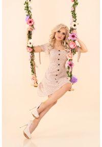 Merribel - Sukienka w Białe Groszki z Guzikami - Beżowa. Kolor: beżowy, biały, wielokolorowy. Materiał: poliester. Wzór: grochy