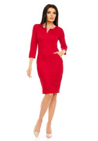 Nommo - Czerwona Dopasowana Wizytowa Sukienka z Suwakiem przy Dekolcie. Kolor: czerwony. Materiał: wiskoza, poliester. Styl: wizytowy