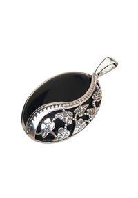 Polcarat Design - Srebrny oksydowany wisiorek z onyksem W 1716 Onyks. Materiał: srebrne. Kolor: srebrny. Wzór: aplikacja. Kamień szlachetny: onyks