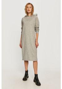 Szara sukienka Noisy may na co dzień, z długim rękawem, oversize, midi