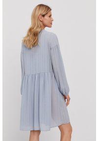 Samsoe & Samsoe - Samsoe Samsoe - Sukienka. Kolor: niebieski. Materiał: tkanina, poliester. Długość rękawa: długi rękaw. Wzór: gładki