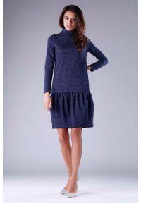 Nommo - Granatowa Dzianinowa Sukienka z Golfem z Obniżoną Talią. Typ kołnierza: golf. Kolor: niebieski. Materiał: dzianina