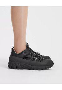 Burberry - BURBERRY - Sneakersy Arthur z nylonu i skóry. Kolor: czarny. Materiał: skóra, nylon. Wzór: napisy, kratka