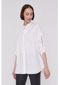 BOSS - Boss - Koszula bawełniana. Typ kołnierza: kołnierzyk stójkowy. Kolor: biały. Materiał: bawełna