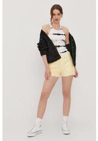 Levi's® - Levi's - Szorty jeansowe. Okazja: na spotkanie biznesowe, na co dzień. Kolor: żółty. Materiał: jeans. Wzór: gładki. Styl: biznesowy, casual