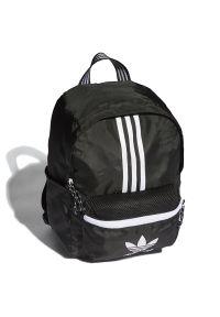 Adidas - adidas Originals Adicolor Classic Backpack Small > H35546. Materiał: poliester. Wzór: aplikacja. Styl: klasyczny