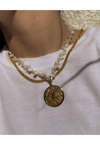 HERMINA ATHENS - Naszyjnik z perłami Shield of Achilles. Materiał: srebrne. Kolor: złoty. Kamień szlachetny: perła