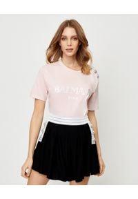 Balmain - BALMAIN - Różowy t-shirt z logo. Kolor: wielokolorowy, fioletowy, różowy. Materiał: materiał. Wzór: nadruk. Styl: elegancki