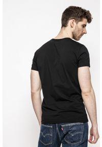 Pepe Jeans - T-shirt. Okazja: na co dzień. Kolor: czarny. Materiał: dzianina. Wzór: nadruk. Styl: casual