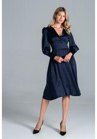 Figl - Rozkloszowana Satynowa Sukienka z Długim Bufiastym Rękawem - Granatowa. Kolor: niebieski. Materiał: satyna