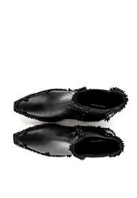 VANDA NOVAK - Czarne kowbojki ze skóry naturalnej Lenka. Wysokość cholewki: za kostkę. Kolor: czarny. Materiał: skóra. Wzór: aplikacja