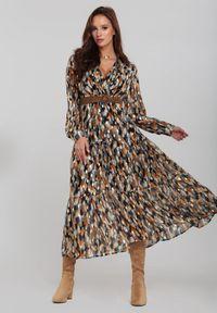 Renee - Granatowa Sukienka Bancroft. Kolor: niebieski. Wzór: aplikacja. Typ sukienki: kopertowe. Długość: maxi