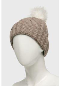 Beżowa czapka New Balance